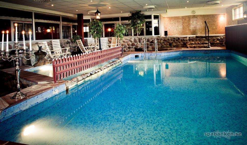 Pool, Fredrik Svedberg_low