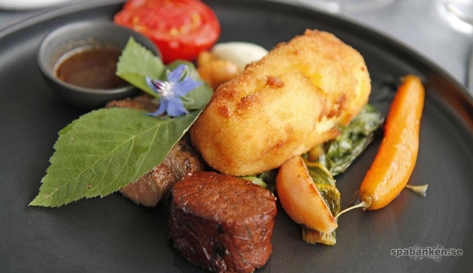 Ostron, lamm och hallon på Kiviks Hotell