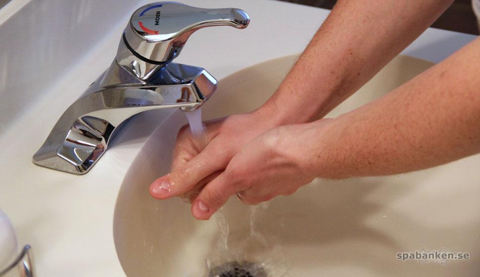 Tvätta händerna för att slippa vinterkräksjuka