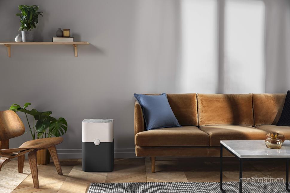 Blueair i färgen lunargrey smälter in fint i vardagsrummet.