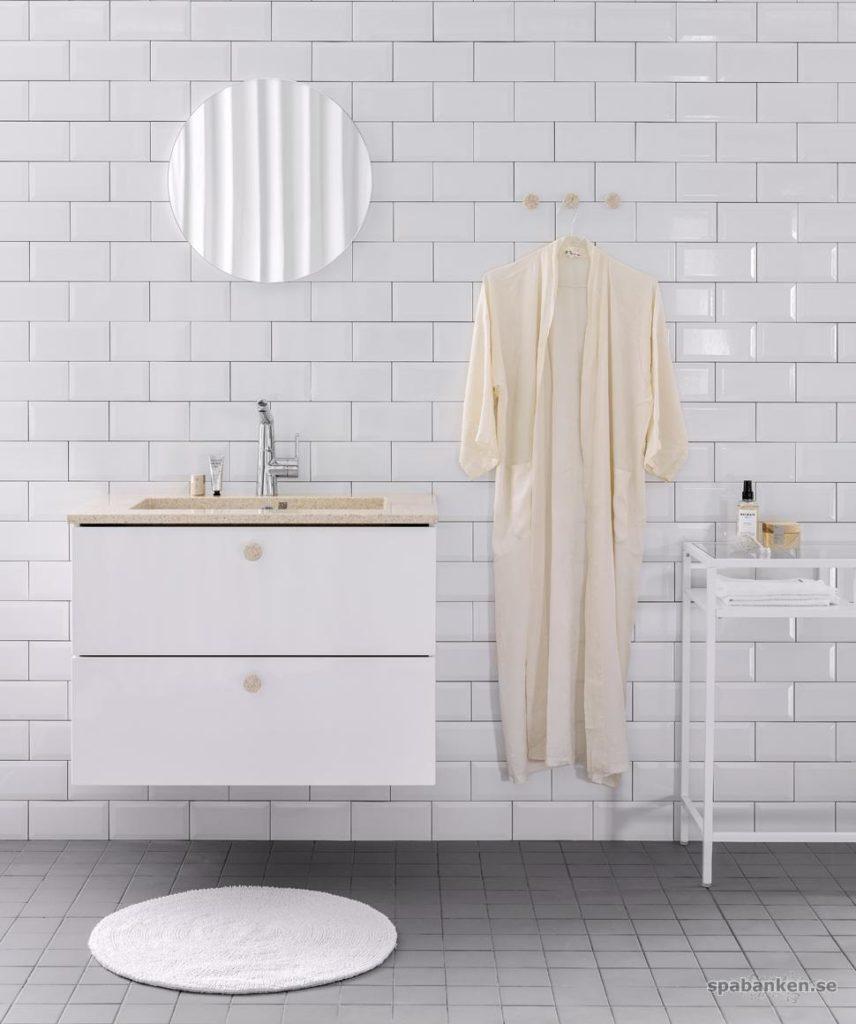 Hållbar badrumsinredning från finska Woodio